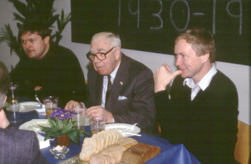 Henning Brønd, Murerras og Lars Pedersen ved en bid brød.