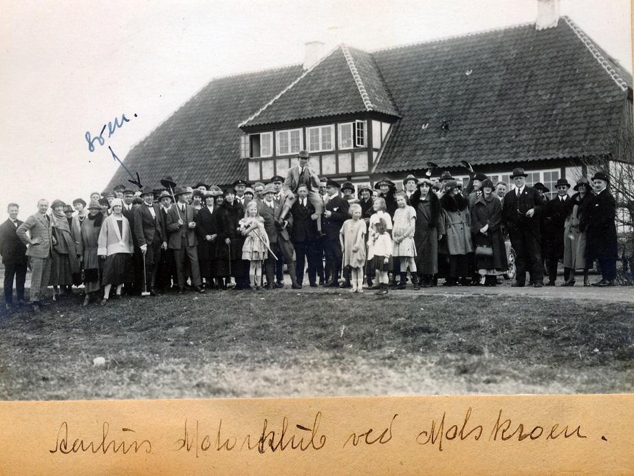 1924. Aarhus Motorklub ved Molskroen. Sven Egdø v.pil