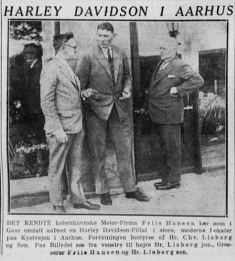 Harley-klubben fra 1928 fortæller om, a der været stor interesse for det amerikanske mærke i Aarhus området, hvilket nok har været årsagen til, at importøren Brdr. Friis Hansen i Kbhv. åbner en afdeling på Kystvejen 27 i okt. 1929. 1929-10-13 Stiften
