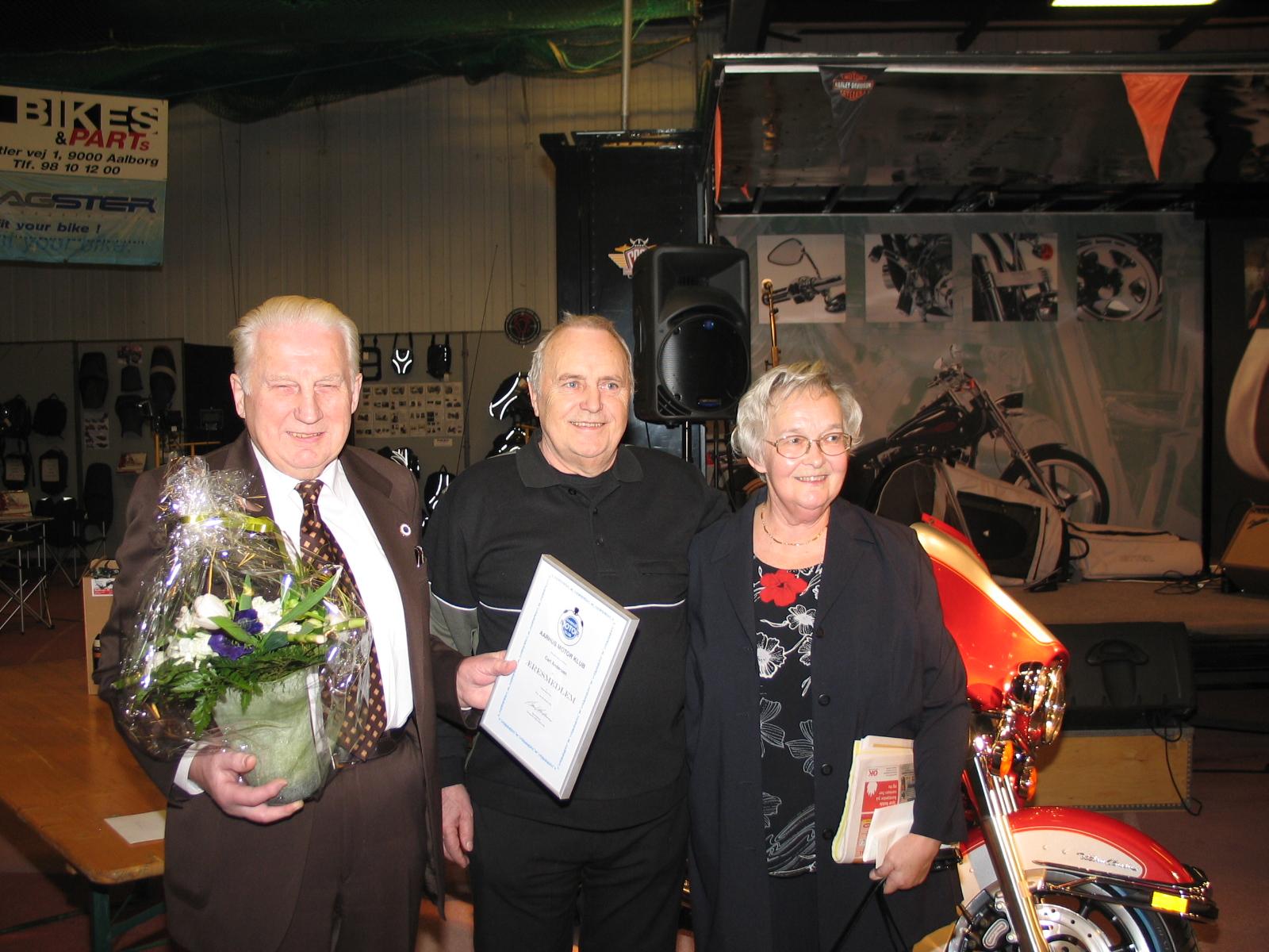 Carl, Finn Pauli og Carls kone Tove.