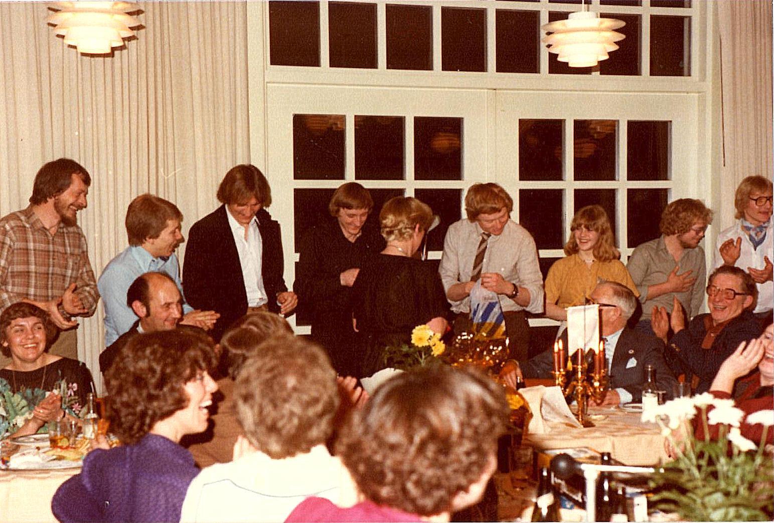 Fra højre Gert Nøjsen, Weinreich, Mogens Dam, Krause, Eva, Lars, Gry, Tim og Poul Jensen.