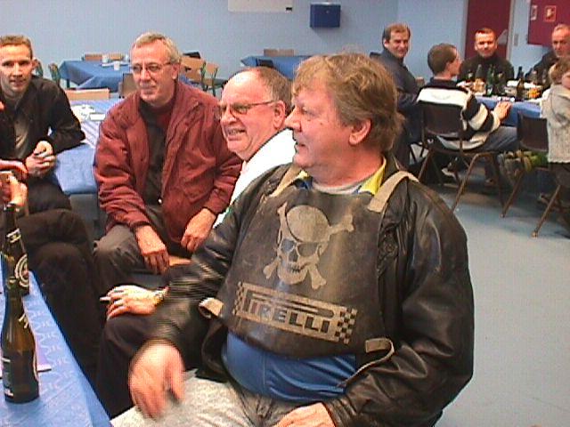 Fra højre Kurt Thomsen i Piratvest, Arne Mogensen og Erik Lyngkilde