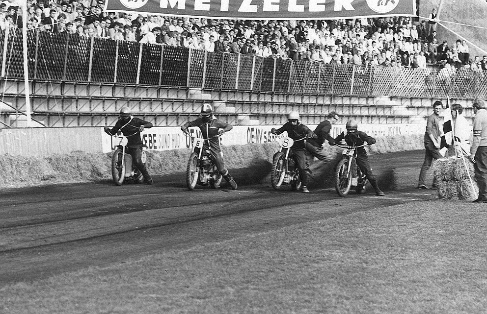 Junior Sport. Fra venstre Reno Lind, Hardy Bisgaard, Tage Bach og Finn Møller