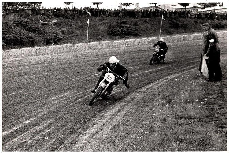 Gunnar Andersen, Århus foran Henry Vorre.