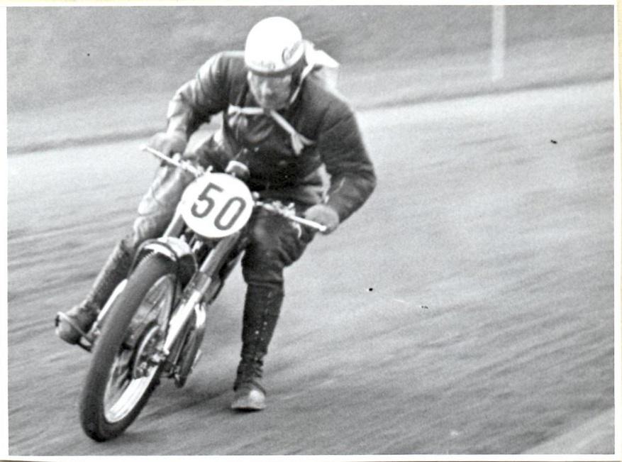 Knud Nielsen stillede denne gang op på en Matchless G45.