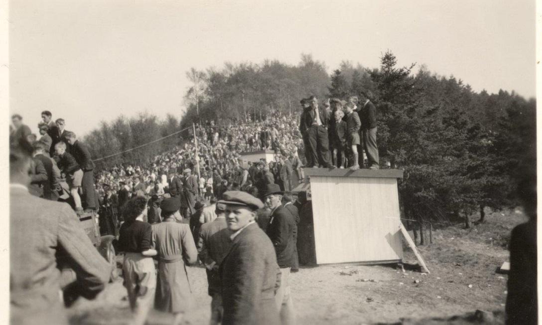 Stemningsbillede publikum på skrænten 2