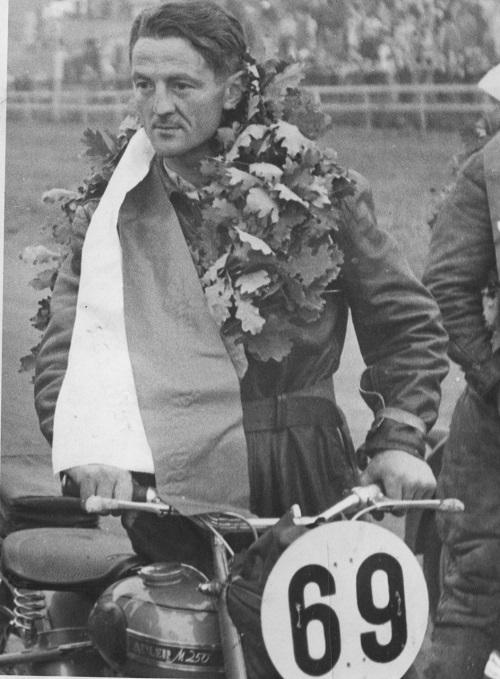 Gunnar Williams med den hurtige Adler 250cc