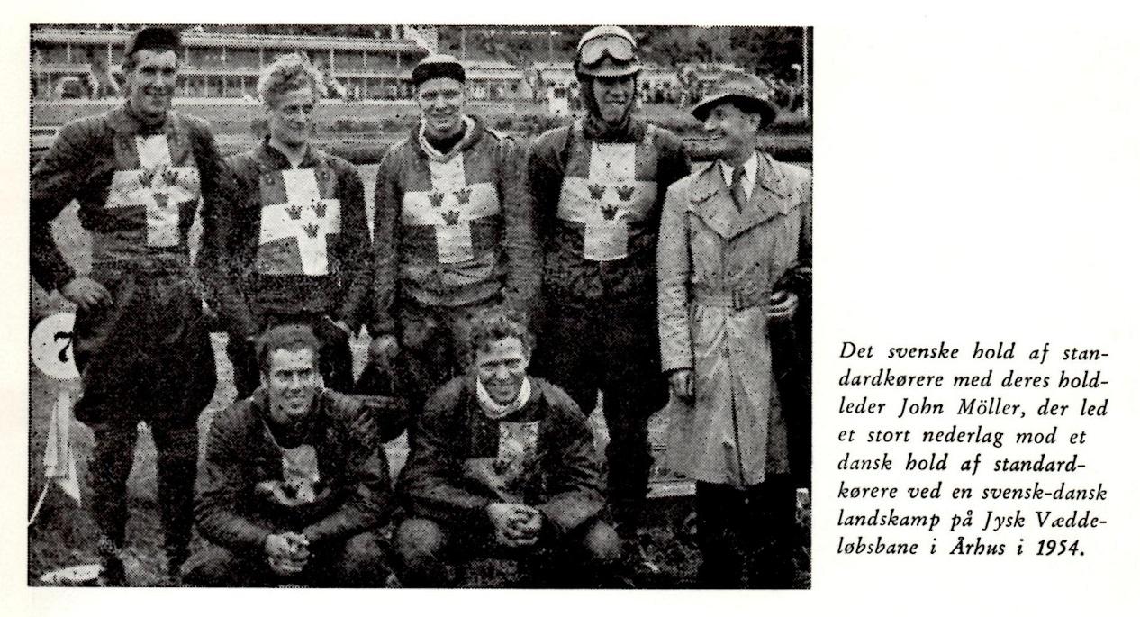 Den Blå Bog bragte også et billede af det svenske landshold