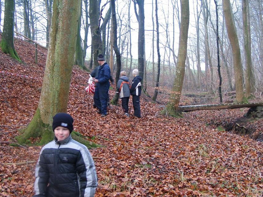 Jens laver rute og ungerne hjælper til.