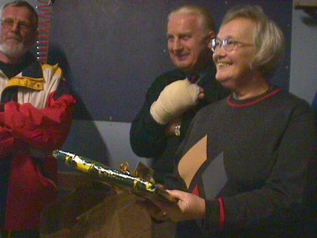 En gave til Carl og Tove. Carl har arbejdet på egen hånd.