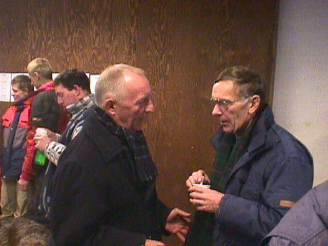 Jimmy Smed og Leif Pedersen taler nok om de gode gamle dage.