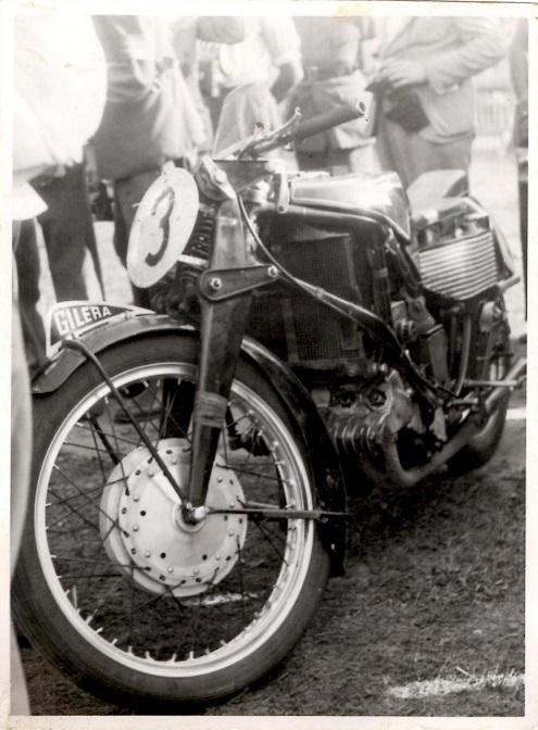 Gileras vindermaskine i 500cc klassen blev ført af italieneren Serafini.