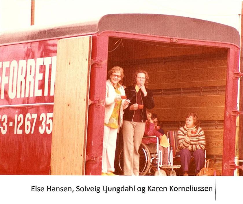 Elses bror Tage transporterede cykler og udstyr i sin flyttebil.