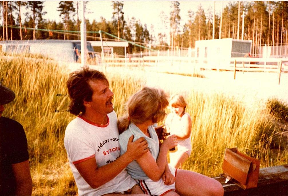 """""""Lelle"""" og Sonja. De fandt hinanden på en af Masarnas ture til Danmark, og de har siden dannet svensk-dansk par i Hinnerup i mange år."""