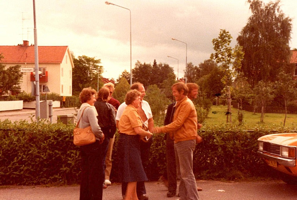 Forrest tv Solveig Ljungdal, Else og Henning Damsgård.