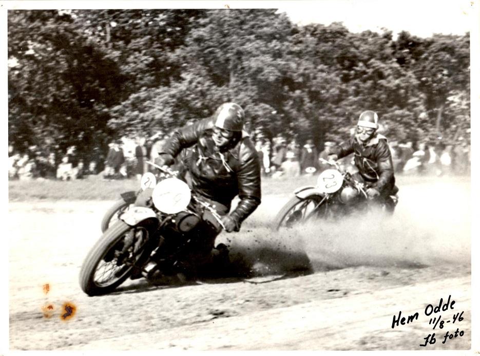 Hem Odde august 1946. Knud Nielsen i front. Nr. 23 er Kaj Holck Mogensen, Odense.