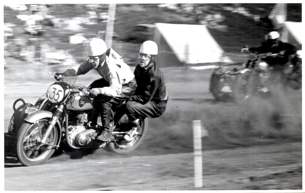 Løvel 2. pinsedag 1955. Kresten i front.