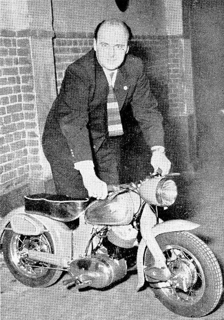 Knud med den lille cykel.