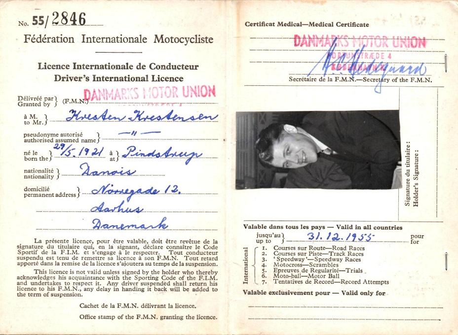 Her er indersiden af det internationale licens.