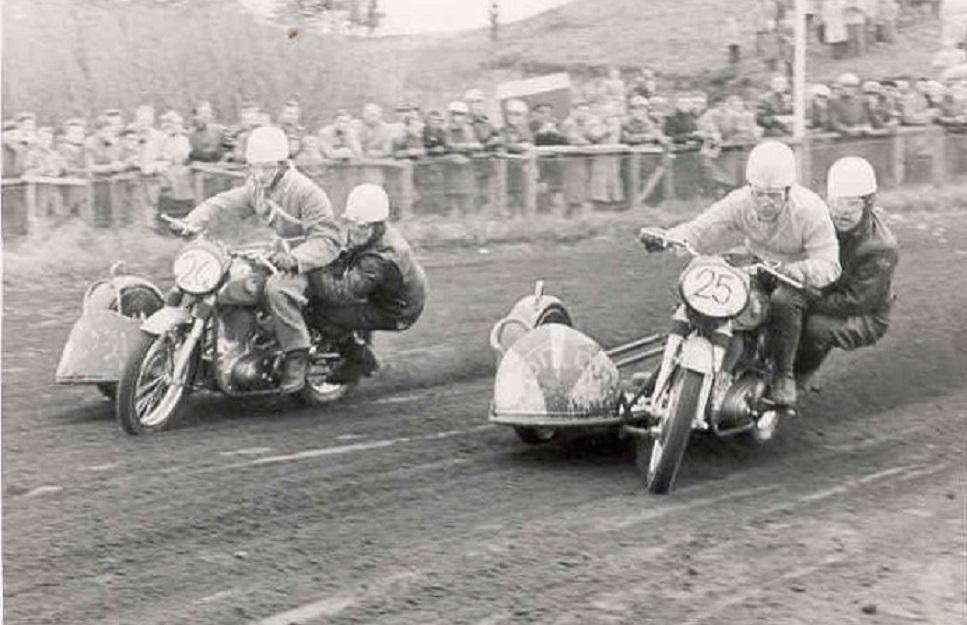 Hem Odde 1955. Norton duel mellem Harry P. og Kresten.