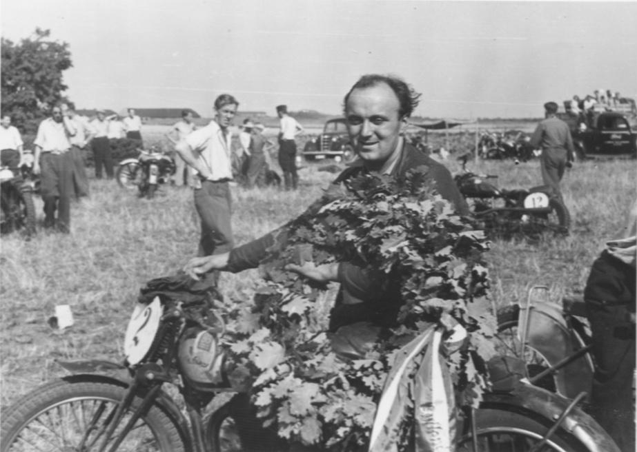 JM Skive 1948. Knud mester i 500 standard.