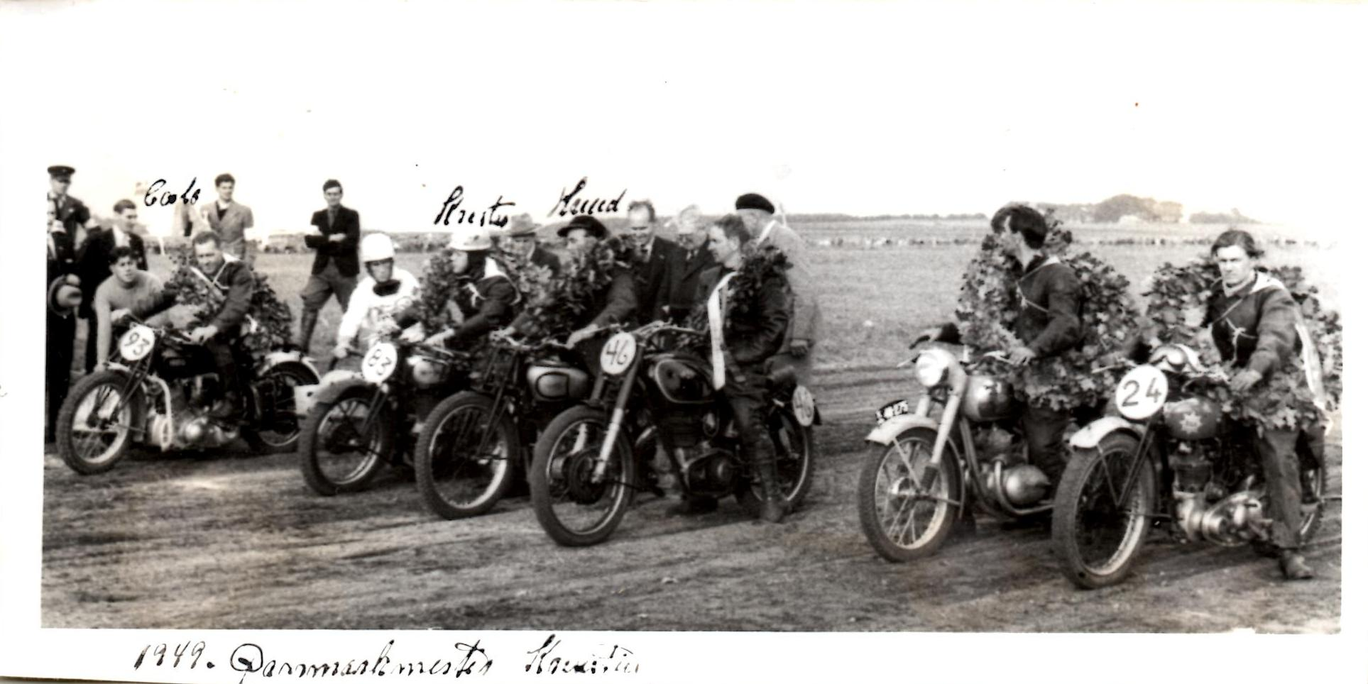 Danmarksmestrene 1949 i Hobro. Carlo, Putimut og HRD til venstre.