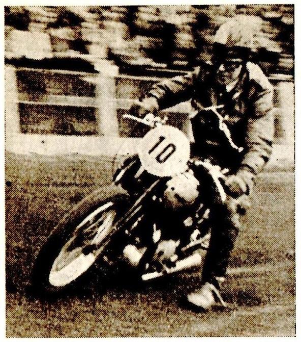Carlo forsøgte sig for en gangs skyld som solokører på Aarhus Stadion i 1946, hvor han vandt et handicapløb.