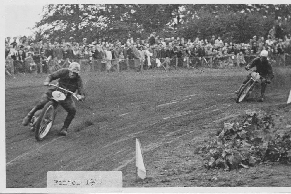 Fangel sept. 46. Bent har taget føringen foran Orla Knudsen. Mærkning 1947 er forkert.