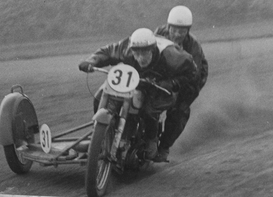 DM på Aarhus Travbane 1951. Harry og Gunnar bliver nr. 4.