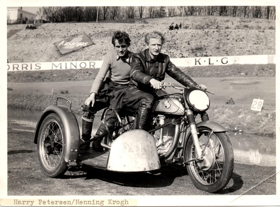 Harry P. og Henning Krogh på Roskilde Ring 1956