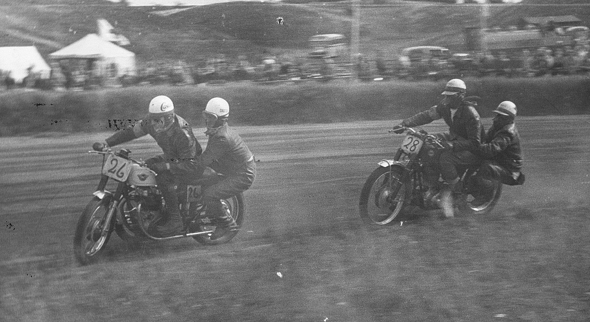 JM Løvel 1959. Carl og Gunnar foran Bob Jensen.