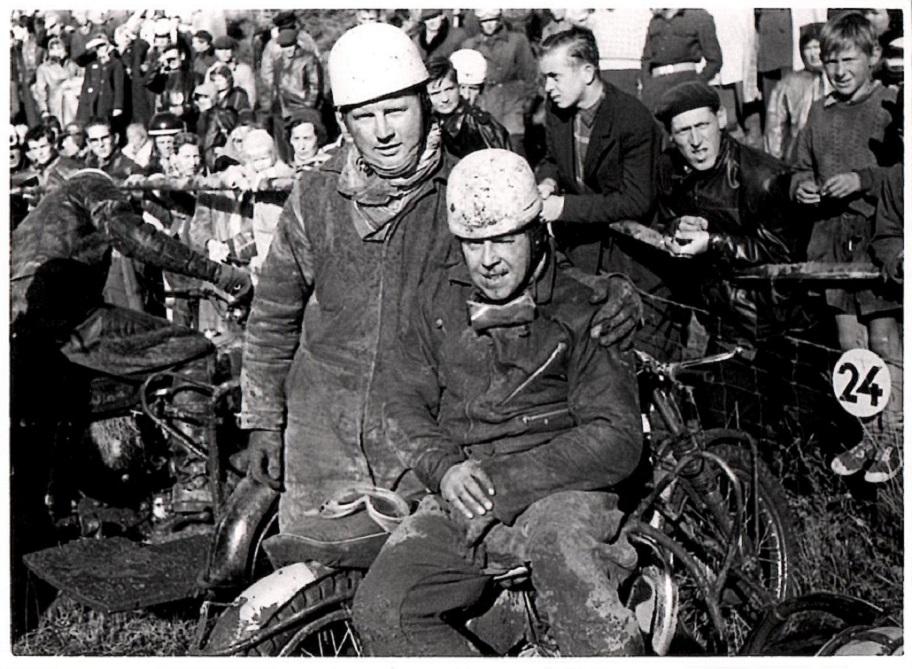 Carl med sin makker i noget af 1957 Harry B. Andersen kendt som Putimut eller P.Mut.