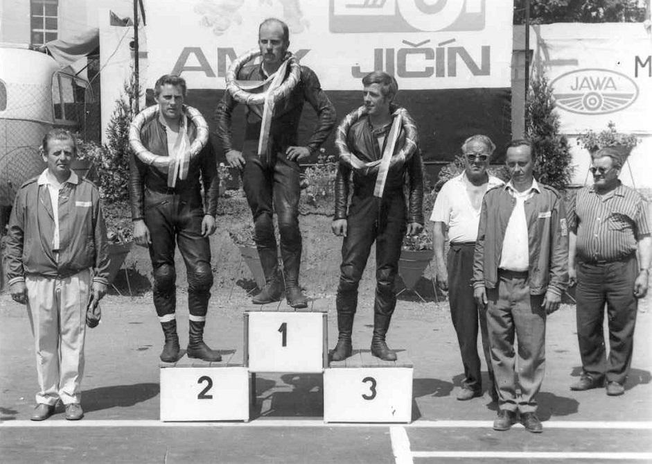 Det blev to flotte placeringer i Jicin, her en 1. plads.