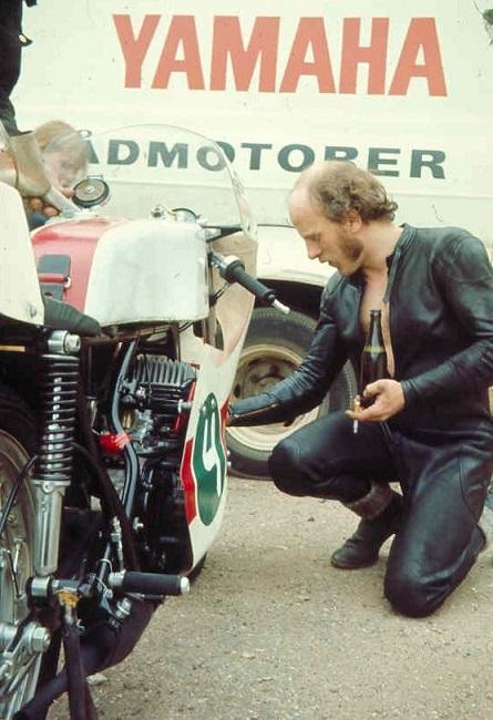Faktisk et rigtig godt billede af Franz fra 1972, men det viser også et par ugunstige laster.