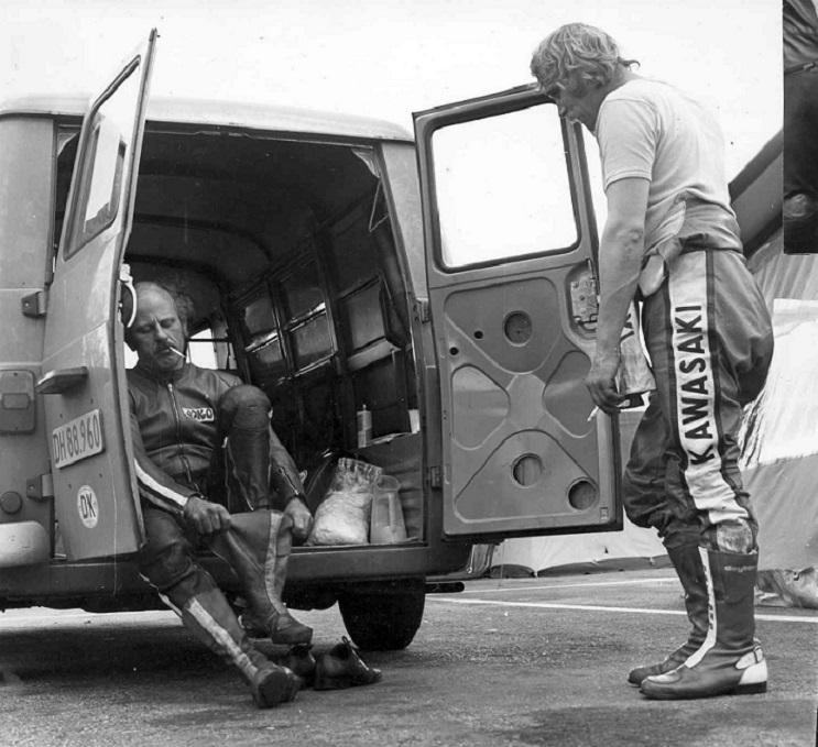 Franz og John Steff i en lille snak, måske Nordsik Mesterskab Jyllands-Ringen 1978.