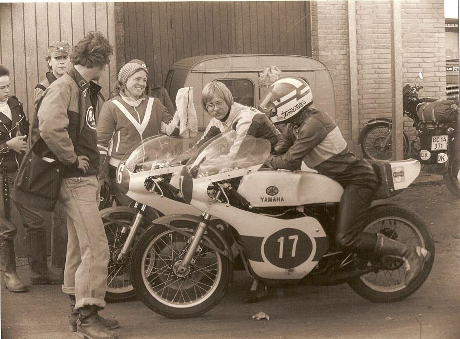 Her et par medarbejdere til race på Ring Djursland i sept. 1978. Alex med nr. 16 og Kierstein med nr. 17.