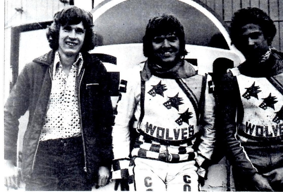 Motorbladet aug. 77. Preben Eriksen tv  tog til Wolverhampton i 1977, men havde ikke papirerne hjemmefra i orden. Her sammen med Finn og Hans Nielsen.