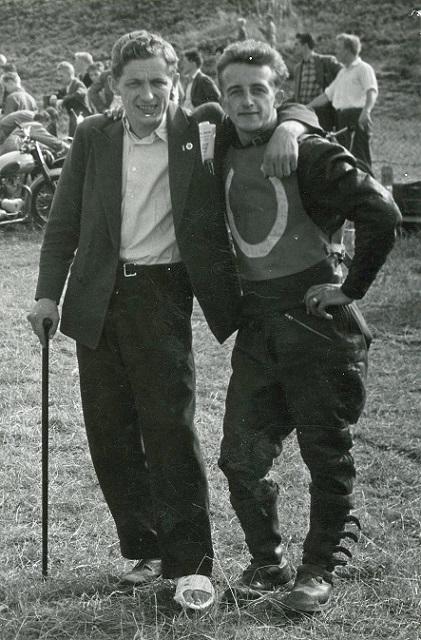 To gode venner og konkurrenter. En skadet Aksel Müller og Arne Pander.