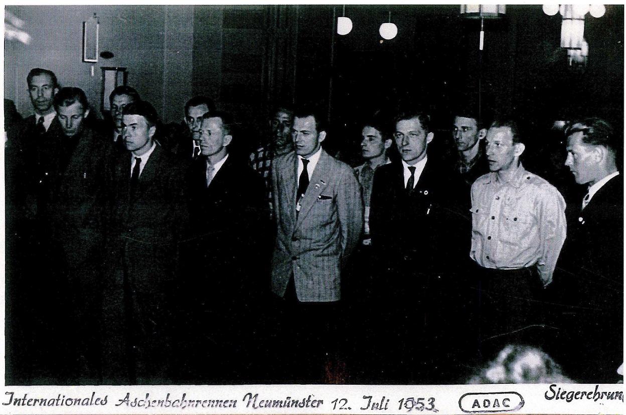 Igen Neumünster. Lindegaard nr. 2 fra højre,Aksel nr. 3 fra h.