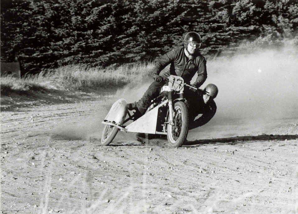 Frank og Henning lynskudt under et træningsløb i Elling ugen før deres første store triumf ved DM Løvel 1969.