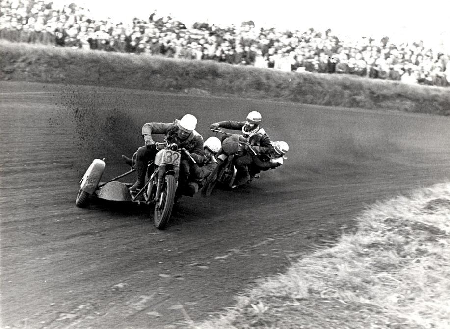 Stadig Grand Race. Bommé/Ole foran Callesen img 2.