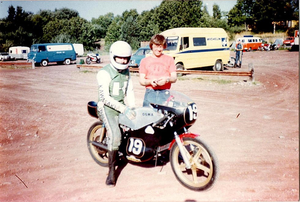 "Ole med sin OSMA før det gik galt. Karlskoga omkring 1979. Ved siden af Ole er det ""tøren"" Ole Kurt Olesen."