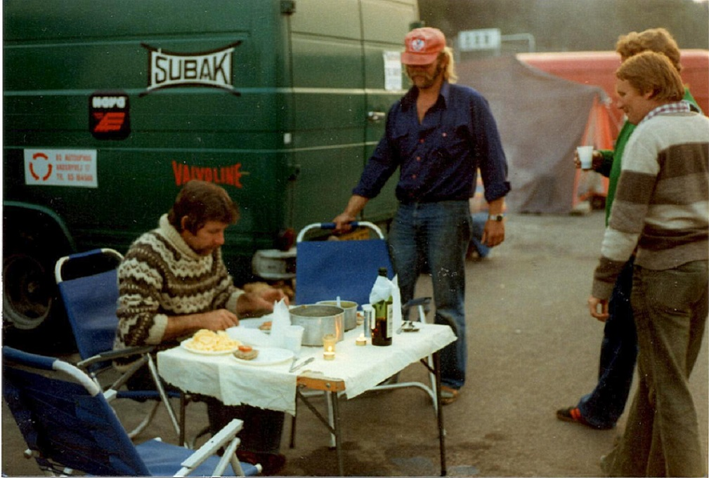 "Ring Knutstorp, år 1981-82-83. Img11. ""Mureren"" Asger Nielsen på besøg."
