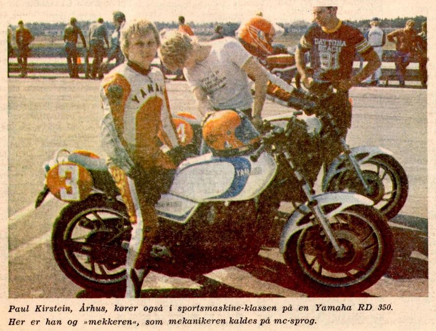 Avisomtale ca. 1981.  Paul med RD350cc LC på Jyllands-Ringen. Mekaniker Chris Jensen ved hans side.