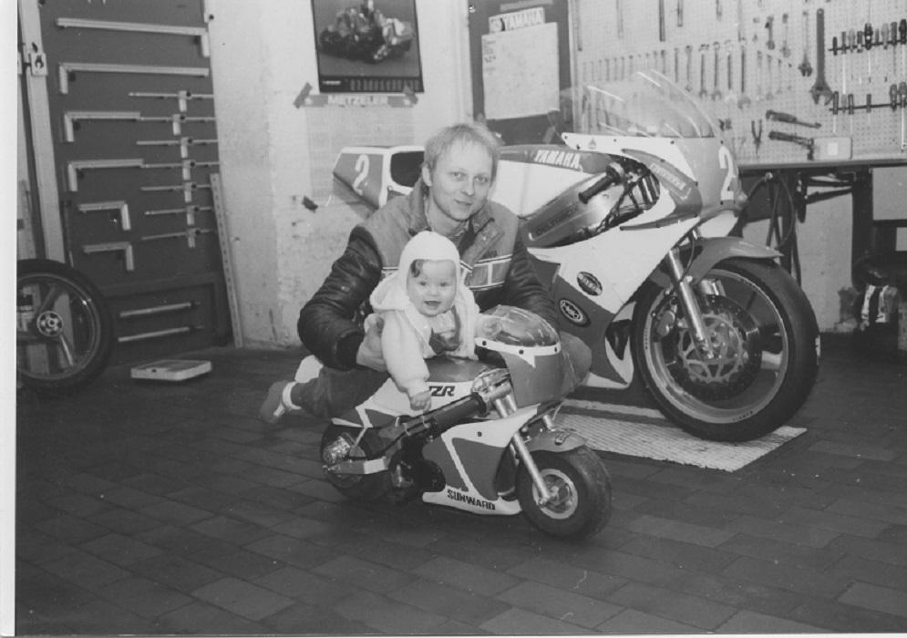 Paul med datteren, der var årsag til, at der ikke blev så meget kørsel i 1988.