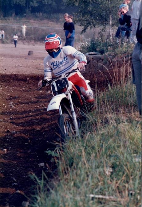 Kim kørte i Klinett trøje for Jimmy Smed i 1985.