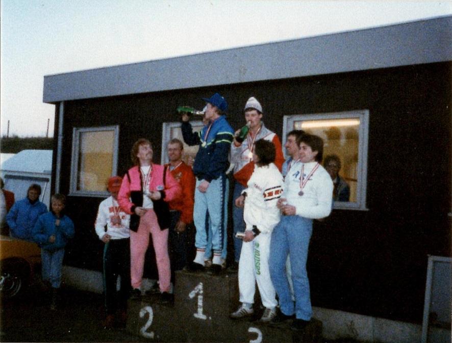 DM Hold 87. AMK atter øverst på skamlen efter 2. pladsen i 1986.