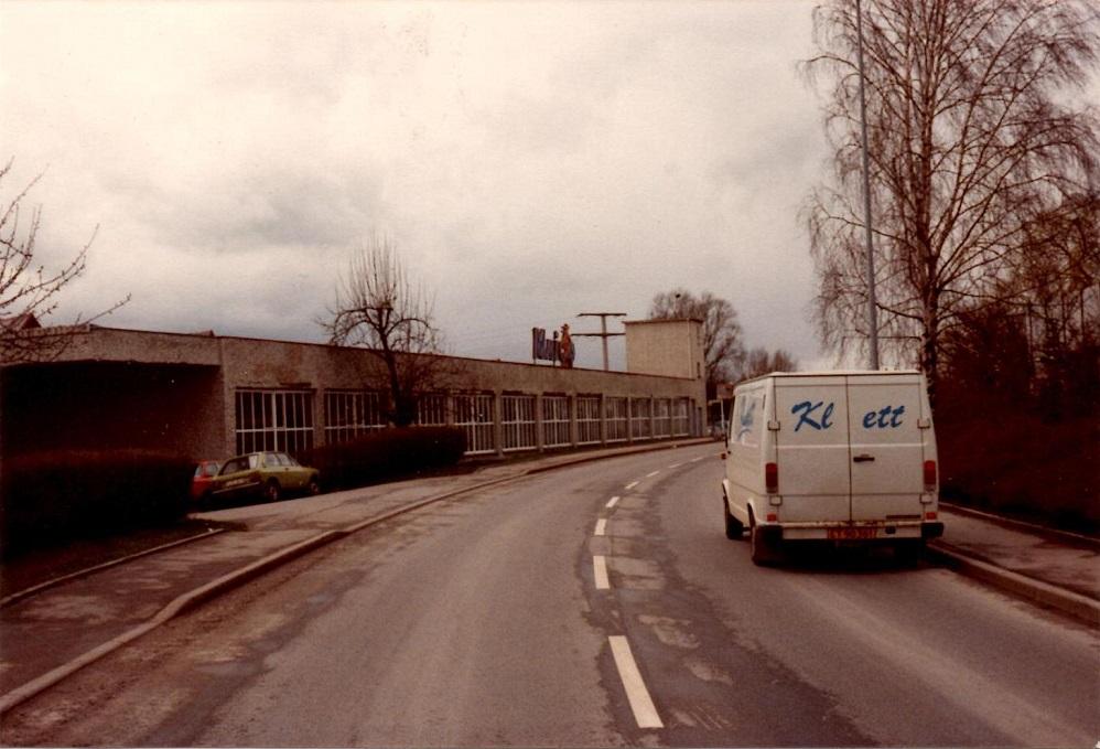Her Maico fabrikken, hvor Kim skulle afhente dele til Maico importøren på en tur til løb sydpå i april 83.