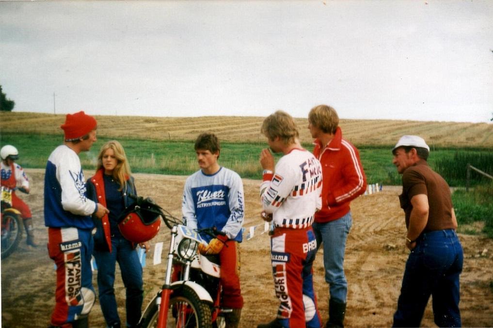 DM afd. bedømt trial 29 aug. 1982 St. Grundet. Fra venstre Vedel, Gry og Kim. Far Vagn ses helt til højre.