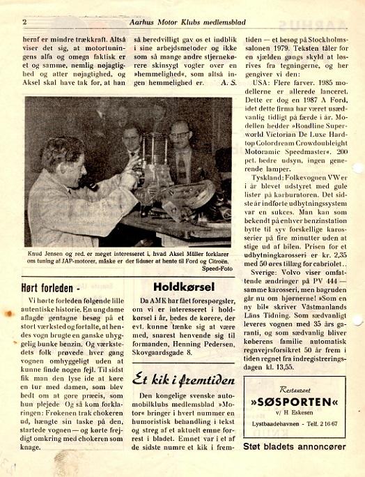 Axel Sørensen var teknisk interesseret og ses her i baggrunden til højre ved en klubaften, hvor Aksel Müller skruer og fortæller. Bemærk signaturen på billedet, der fortæller, at det er Ove Pedersen, der har taget billedet.